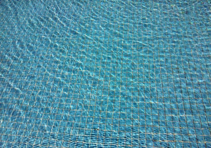 bazénové dno