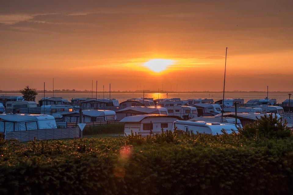 karavany a moře